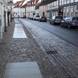 Wollweberstraße Gehweg links
